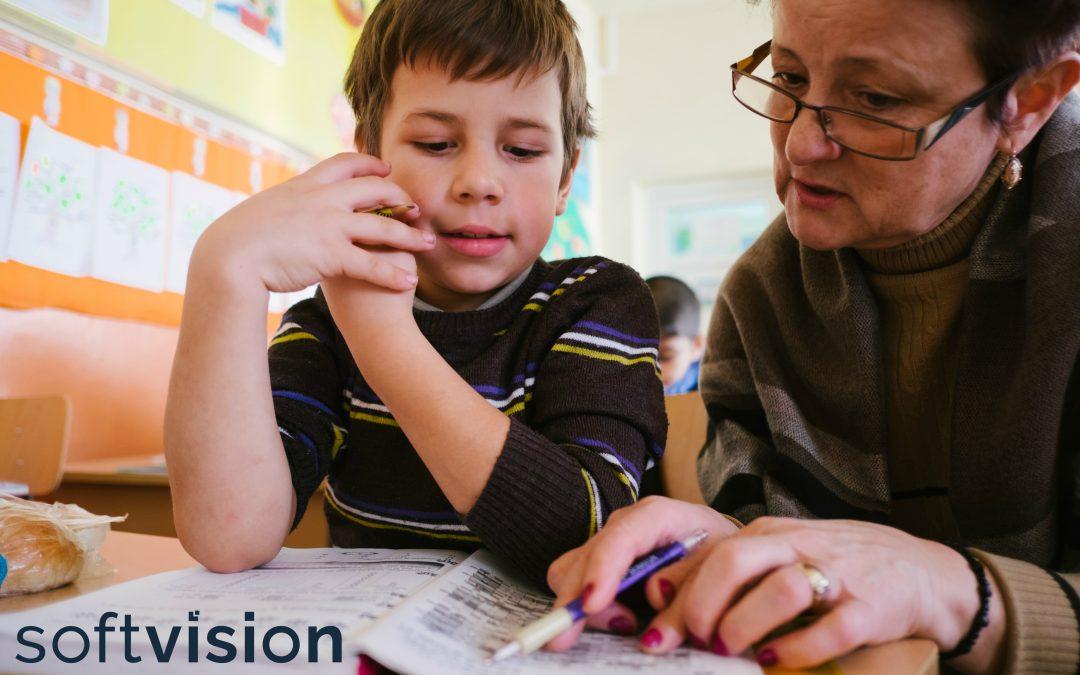 Softvision sprijină copiii vulnerabili din programul de școală după școala implementat de noi în cadrul Școlii Gimnaziale Horea