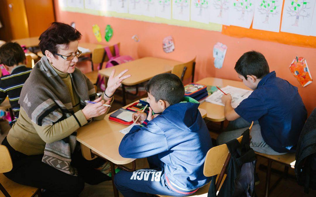 Voluntari pentru o şcoală deschisă spre viitor