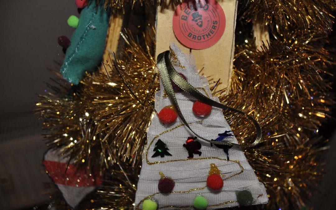Licitație caritabilă de brazi de Crăciun