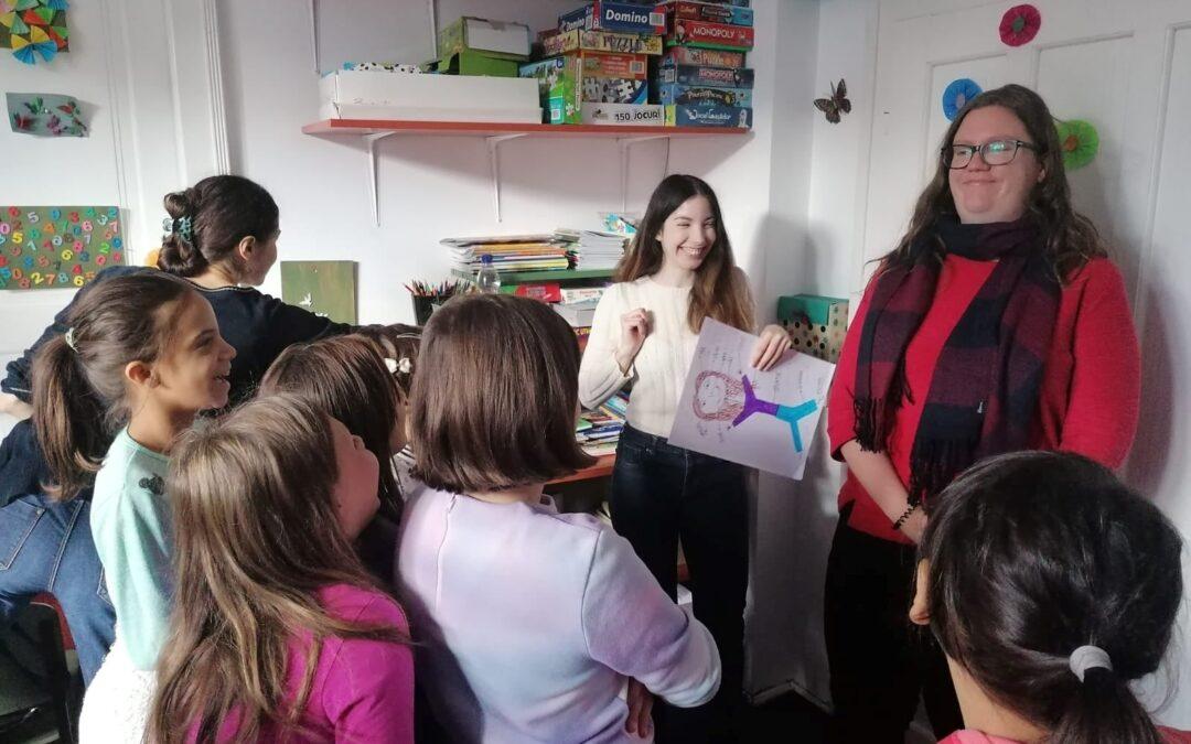 United Way România ajută copiii să își continue educația
